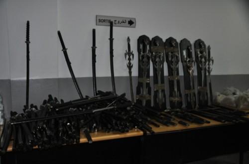 Tcharmil - Casablanca un chinois fournit les délinquants en sabres